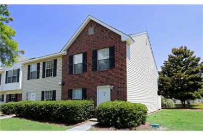 2 bedrooms Townhouse - Looking for a new home in Charleston.