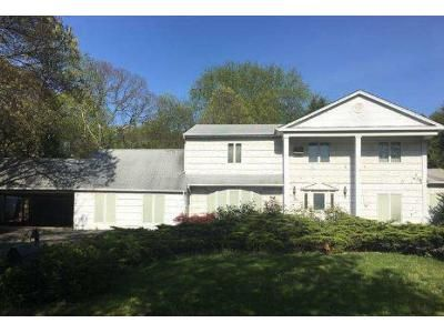 4 Bed 3.5 Bath Foreclosure Property in Centereach, NY 11720 - Rondell Ln