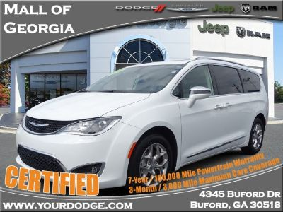 2019 Chrysler Town & Country Limited (Bright White Clearcoat)