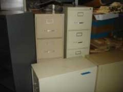 file cabinet steelcase w/key 125.00
