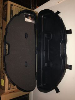 Compact bow case