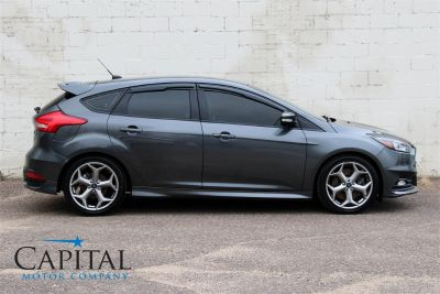 2015 Ford Focus ST Turbo Hatchback w/6-S (Magnetic)