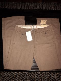 New With Tags, American Eagle Size 8 Low Rise Slouchy Pant