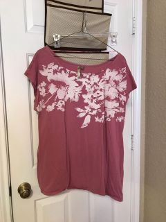 Maternity mauve and white top. Size XXL. $5
