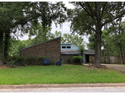 3 Bed 2 Bath Preforeclosure Property in Crosby, TX 77532 - Shoal St