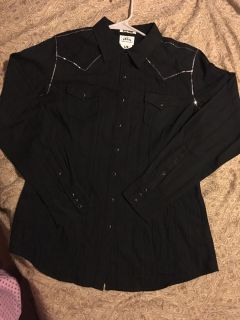 Ariat woman s fitted pearl snap shirt black with tiny sequins. NBW new with tags. Size large. Perfect for rodeo.