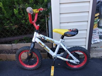 """12"""" Girls or Boys Mickey Mouse Bike with Training wheels"""