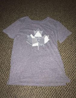 Roots t shirt xsmall