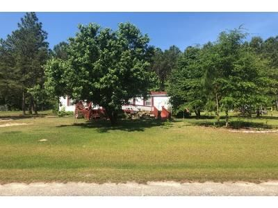 3 Bed 2.0 Bath Foreclosure Property in Lillington, NC 27546 - Pine Needles Dr