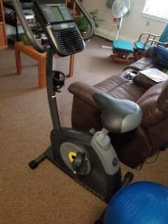 Gold's Gym Cycle Trainer Exercise Bike