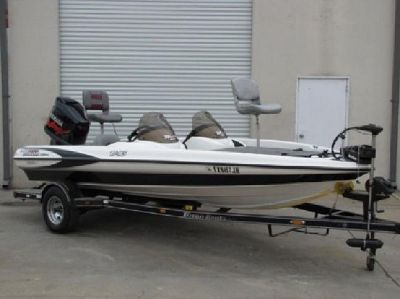 2002 Triton 185 DC Bass Boat & with 150hp Yamaha V-Max Motor