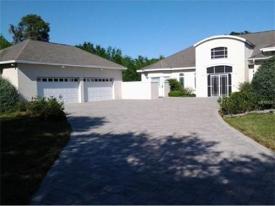 STUNNING TOP QUALITY HOME ON ALMOST VERY PRIVATE ACRES