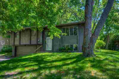 11697 67th Place N MAPLE GROVE Three BR, Fantastic Home On