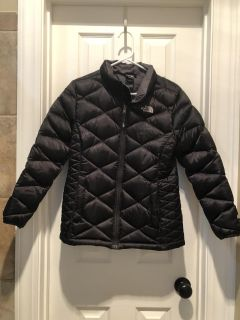 Girls North face winter coat, size XL 18