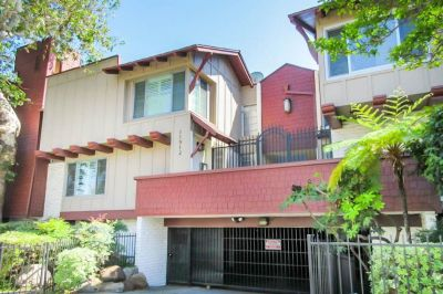 For Sale: 2BR+ Den+2.5 BA. condo in Valley Village for $599000