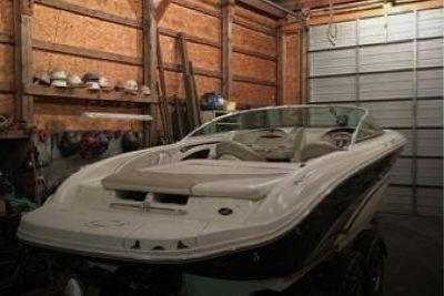 2003 Sea Ray 220 SLX