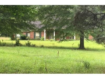 3 Bed 2 Bath Preforeclosure Property in Jackson, MS 39212 - Gore Rd