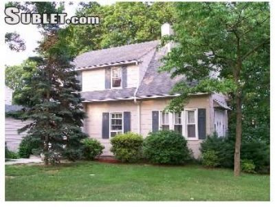 $3150 4 single-family home in Port Chester