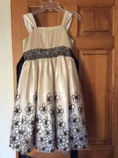 Gorgeous Formal Dress! Perfect for Holidays, Weddings, Church, ...