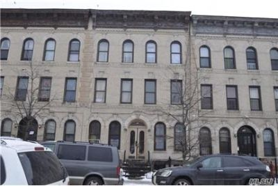 ID#: 1302977 Lovely 3 Bedroom Apartment For Rent I