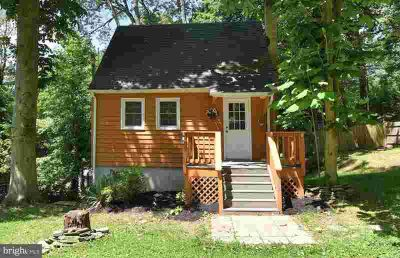812 Whitewood Trl CROWNSVILLE One BR, Cedar-shake cottage with