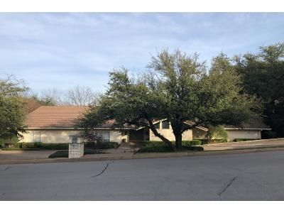 4 Bed 3.0 Bath Preforeclosure Property in Fort Worth, TX 76107 - Canterbury Dr