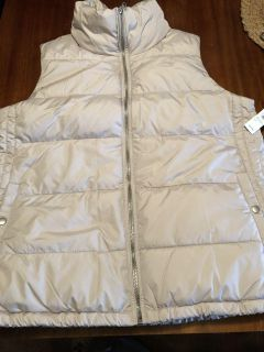 Old Navy frost free vest - size large - NWT