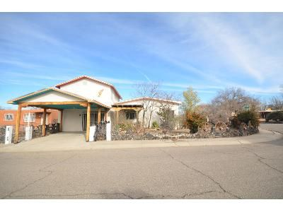 4 Bed 3 Bath Foreclosure Property in Albuquerque, NM 87104 - Marie Pl NW