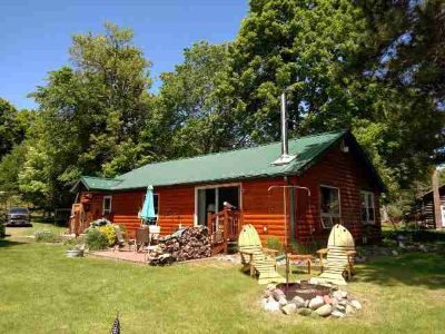 11366 Lakeview Dr BUTTERNUT Two BR, This charming Northwoods