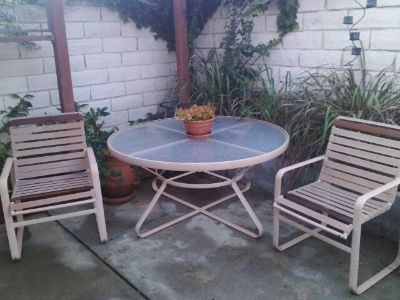 vintage patio set (6 chairs and table) - in oceanside