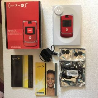 Sprint Motorola RAZR V3m Cell Phone Red