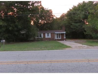 3 Bed 2 Bath Preforeclosure Property in Greenville, SC 29615 - Garlington Rd