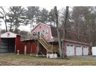 2 Bed 1 Bath Foreclosure Property in West Sand Lake, NY 12196 - Cayuga Ln