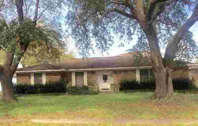 1502 Pine Ln Port Neches Four BR, Spacious home.