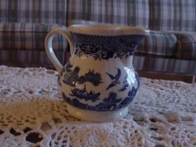 Vintage Churchill England Blue Willow Creamer