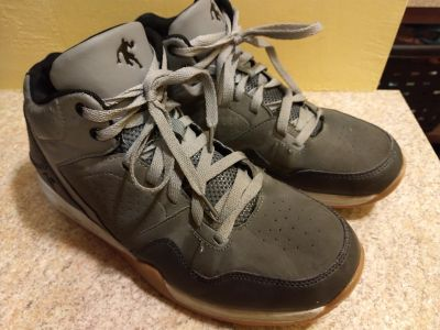AND 1 high top sneaker tennis shoe size 9