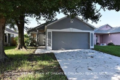 ***3BR 2BA home in VALENCIA WOODS. Fenced yard, screen patio, small dog ok.***