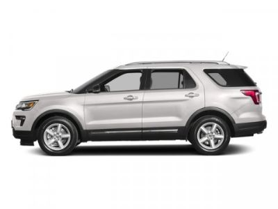 2018 Ford Explorer XLT (White Platinum Metallic Tri Coat)