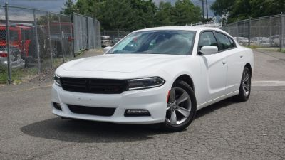 2016 Dodge Charger 4dr Sdn SXT RWD (White)