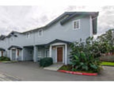 Charming Corner Townhome few steps to the beach!