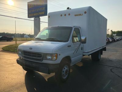 "2000 Ford Econoline Commercial Cutaway E-350 Super Duty 158"" WB DRW (Oxford White)"