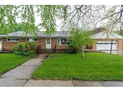 4 Bed 1 Bath Foreclosure Property in Randolph, WI 53956 - 2nd St