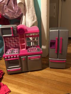 18 in doll kitchen and fridge