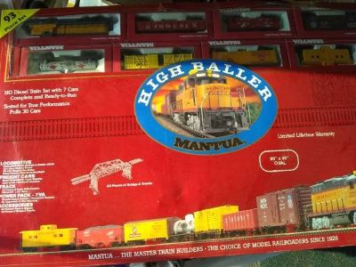 Mantua Trains with HO Scale Train Table