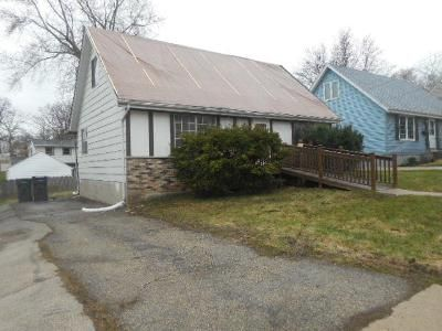 4 Bed 2 Bath Foreclosure Property in Waukesha, WI 53188 - Norton Ave