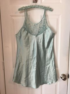 """EUC - """" SECRET TREASURE """" Brand - 'NIGHTIE' - WITH MATCHING HANGER- LACE TOP - LOW BACK - SILKY FEELING - MINT GREEN COLOR"""