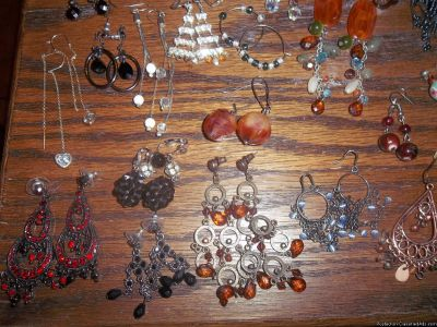 Jewelry/ Costume/ Signature / Pins Body