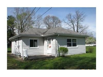 1 Bed 1 Bath Foreclosure Property in Hermitage, PA 16148 - Morefield Rd