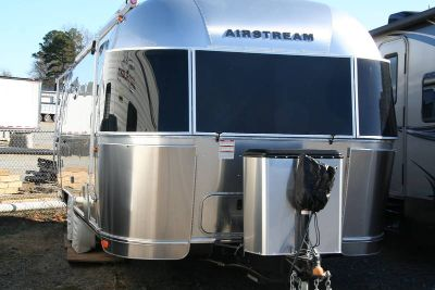 2017 Airstream Flying Cloud 25FB Twin