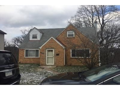 3 Bed 1 Bath Preforeclosure Property in Pittsburgh, PA 15220 - Dickens St